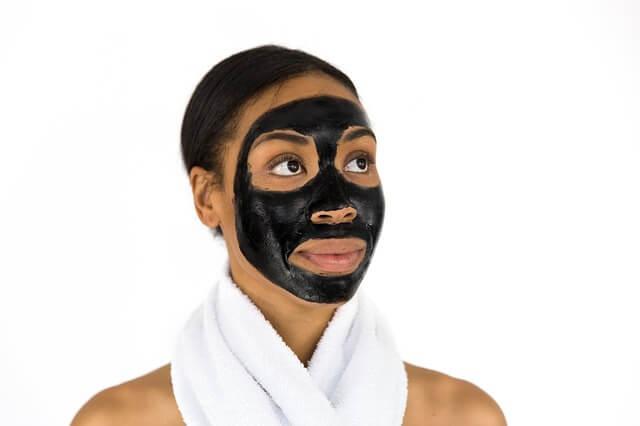 Domowe maseczki na twarz – jak zrobić maseczkę na twarz o różnych właściwościach?